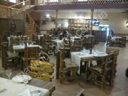 Столы и стулья под старину для кафе