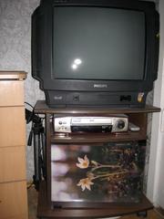 Продаётся  тумба под ТВ+телефизор PHILIPS